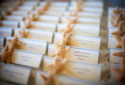Рассадочные карточки из ракушек
