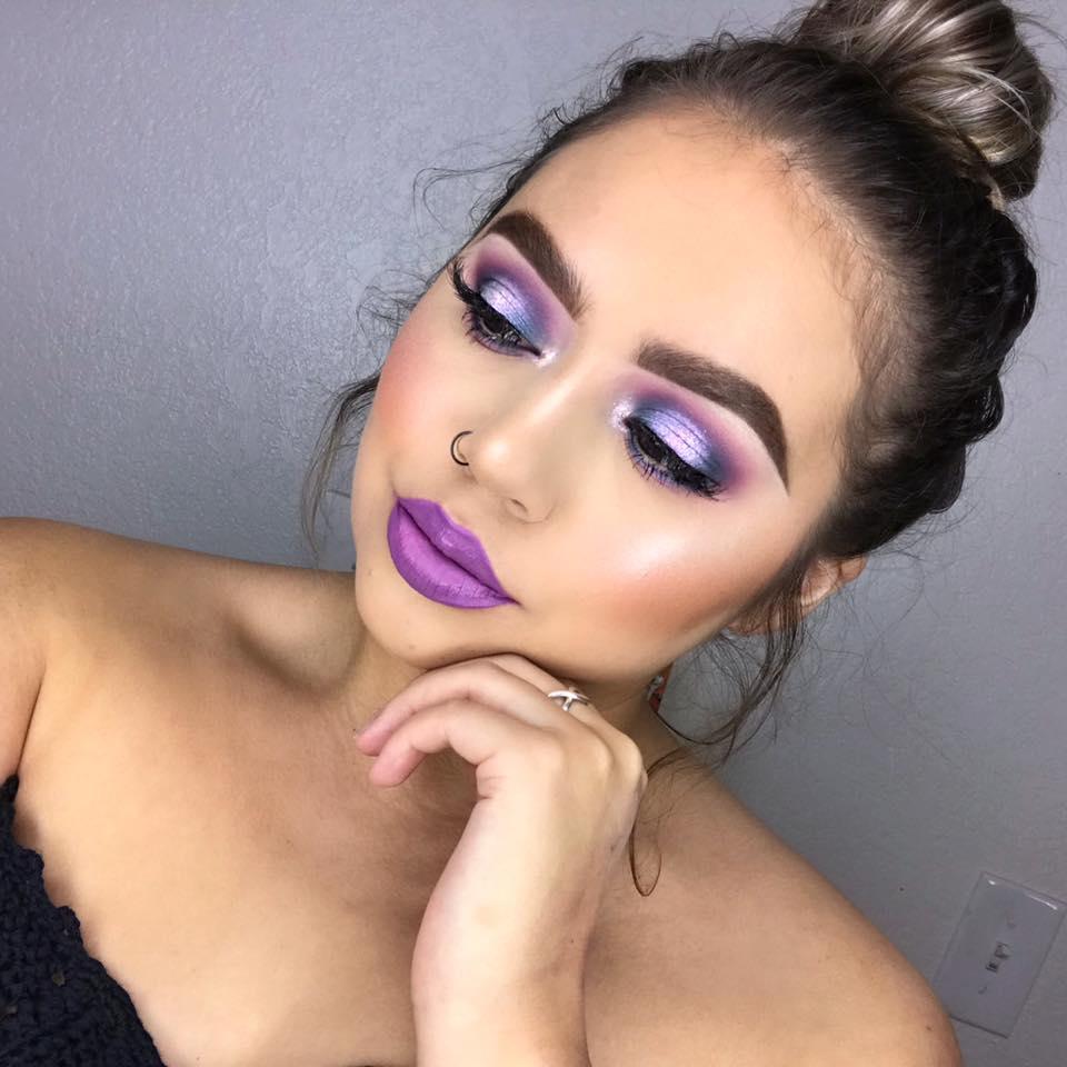 Фиолетовый макияж: 12 фото идей макияжа с сиреневой помадой, тенями и тушью
