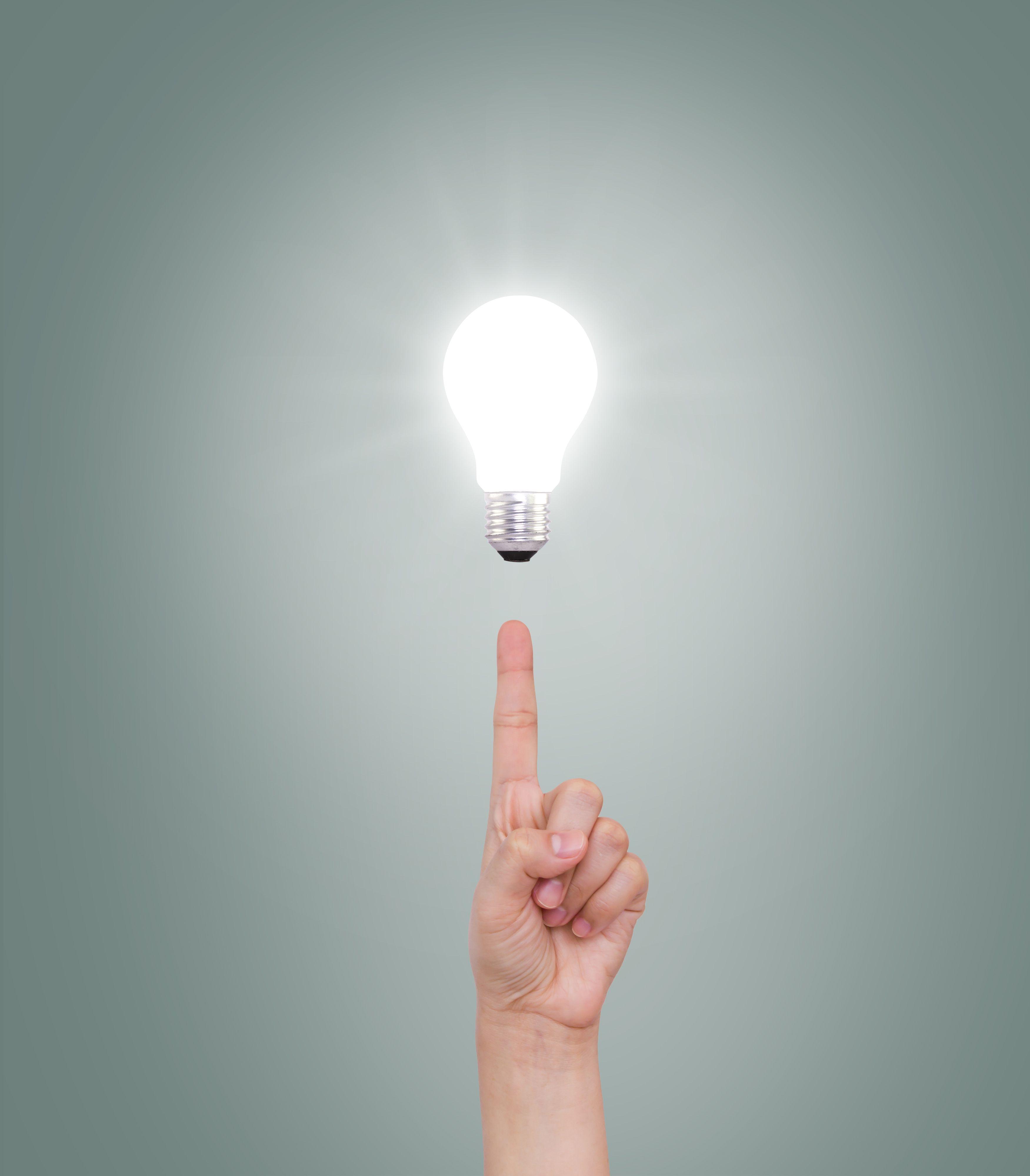 Зажги лампочку с помощью пальцев