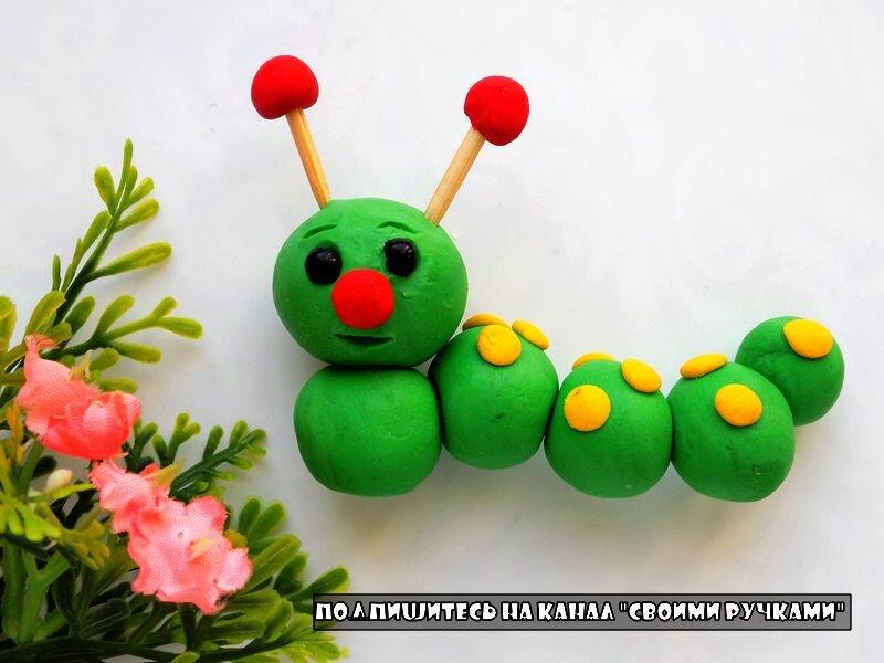 Гусеницы из пластилина – лепка из пластилина с детьми от трех лет
