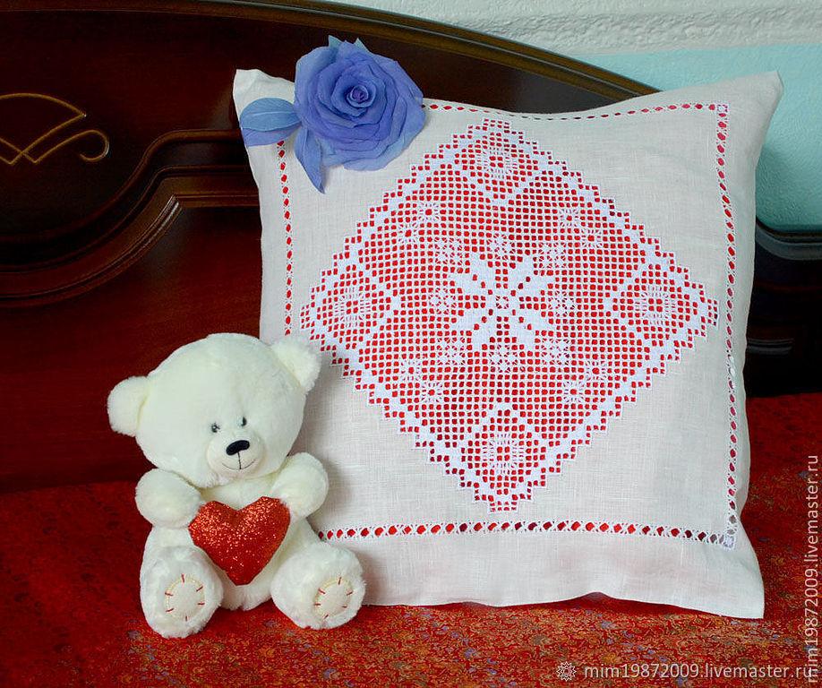 Вышивка крестом на подушках с примерами схем