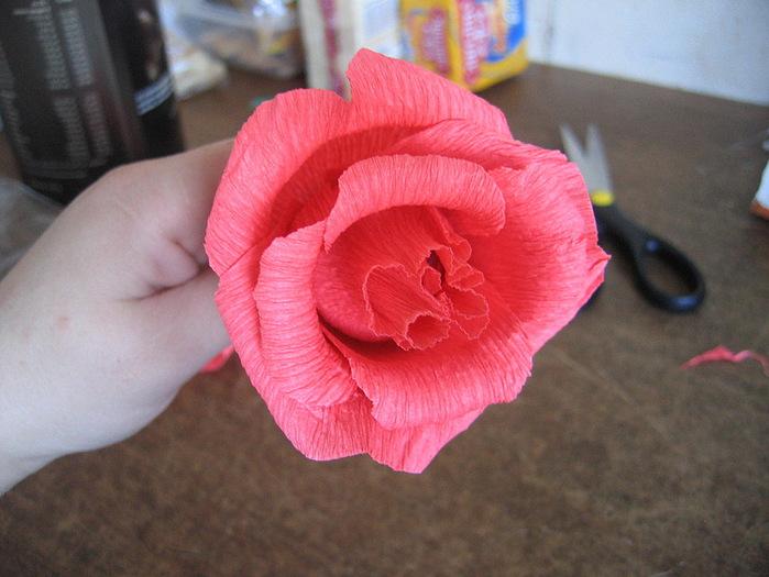 Мастер-класс: как сделать розу из бумаги своими руками?