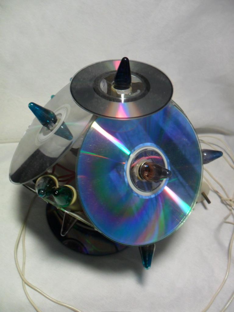Поделки из пластиковых дисков: яркие идеи и реальные примеры создания уникальных украшений (85 фото)