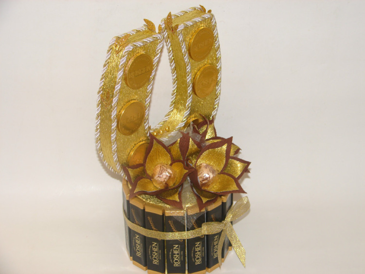 Подарочная композиция «Подкова» с конфетами