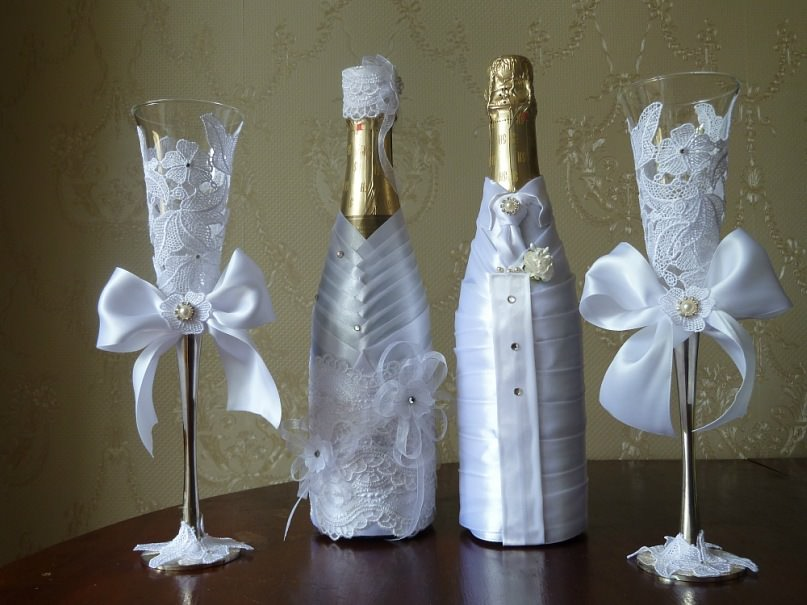 Свадебное шампанское жениху и невесте: оформляем своими руками лентами