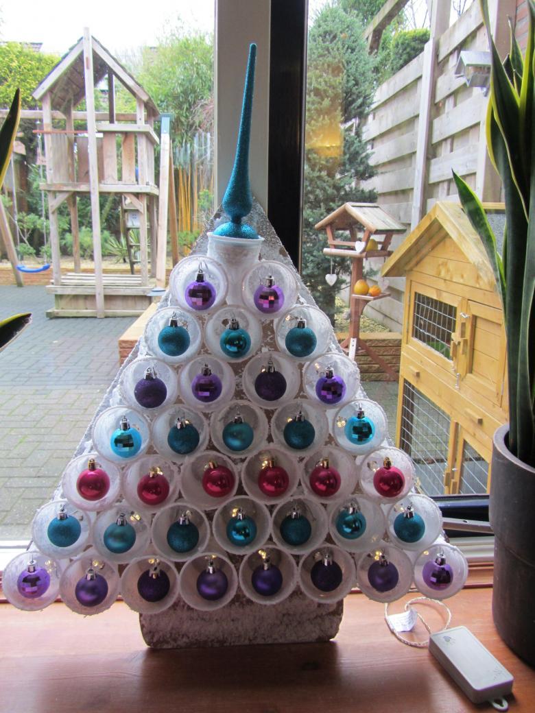 Оригинальная елка из пластиковых бутылок. ёлка из пластиковых бутылок. мастер-класс. поделка «новогодняя елка» из ниток - мастер-класс с фото