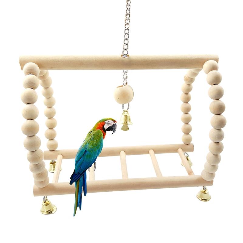 Как выбрать развивающие и спортивные игрушки для волнистых попугаев