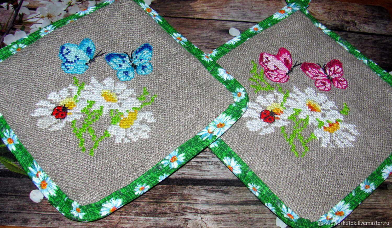 Прихватки и подушки  с вышивкой