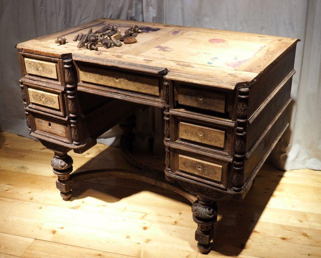 Этапы полной реставрации мебели своими руками