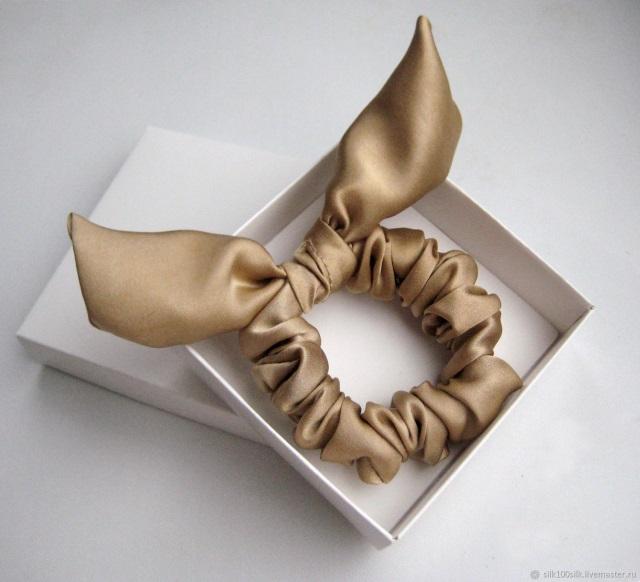 Как сделать бант на подарок? 51 фото как красиво завязывать бантик из атласной ленты своими руками? как делать бант из бумаги на коробку?