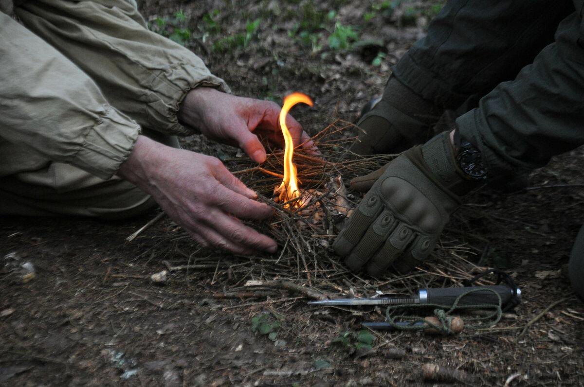 Как зажечь зажигалку без кремня