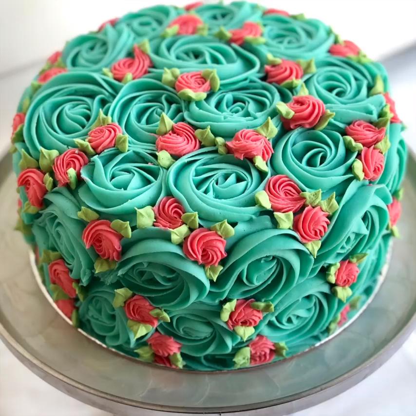 Насадка-роза для крема (13 фото): как делать розочки на торте кондитерской насадкой? закрытые и открытые модели