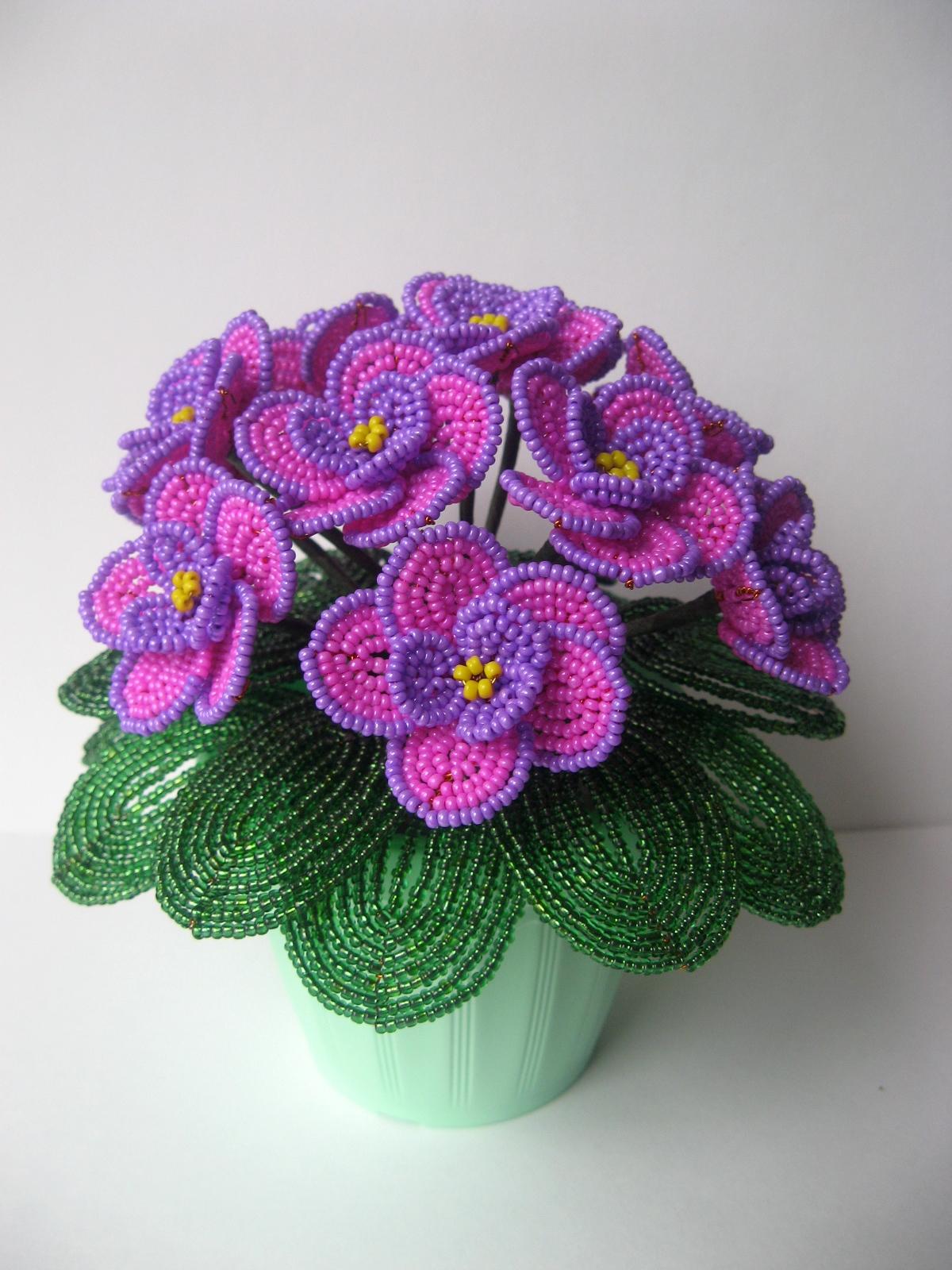 Фиалки из бисера: мастер-класс по изготовлению цветка своими руками