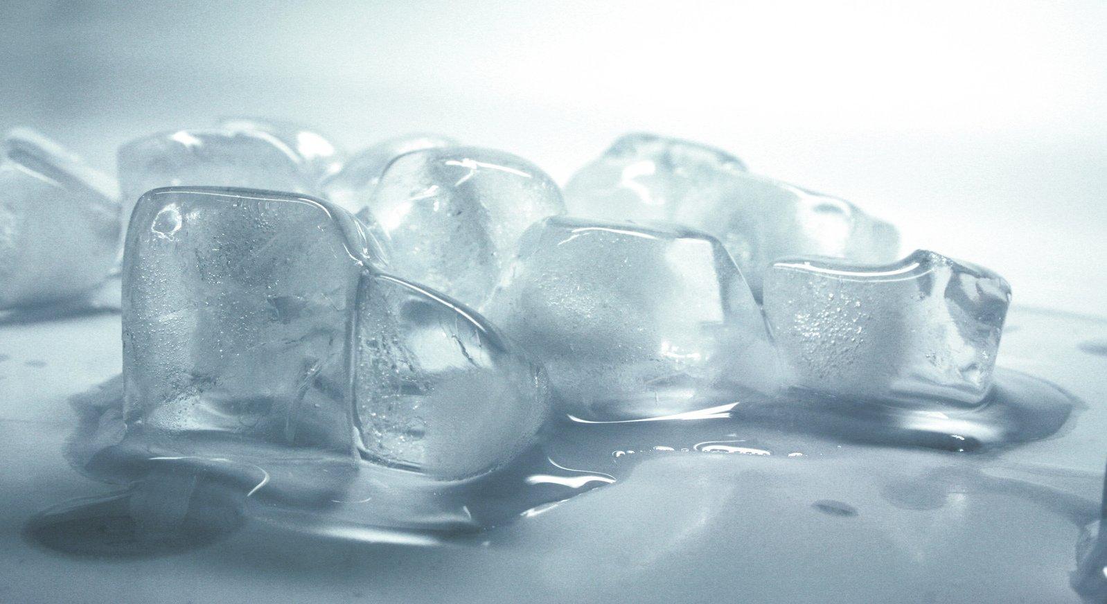 Подмороженный лёд