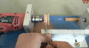 Точный сверлильный станок своими руками из ручной дрели или шуруповерта легко и быстро | сделай сам | яндекс дзен