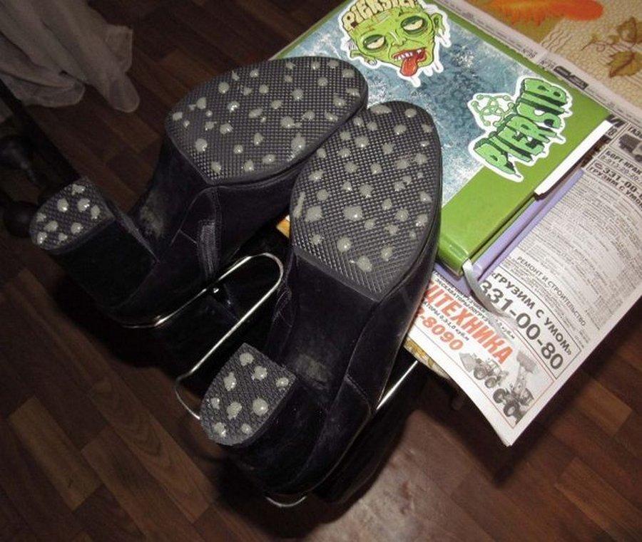 Что сделать, чтобы обувь не скользила зимой – простые рекомендации