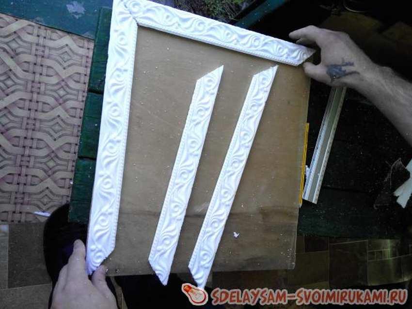 Рама для зеркала (58 фото): как сделать рамку своими руками из дерева и потолочного плинтуса, кованую и из любого материала