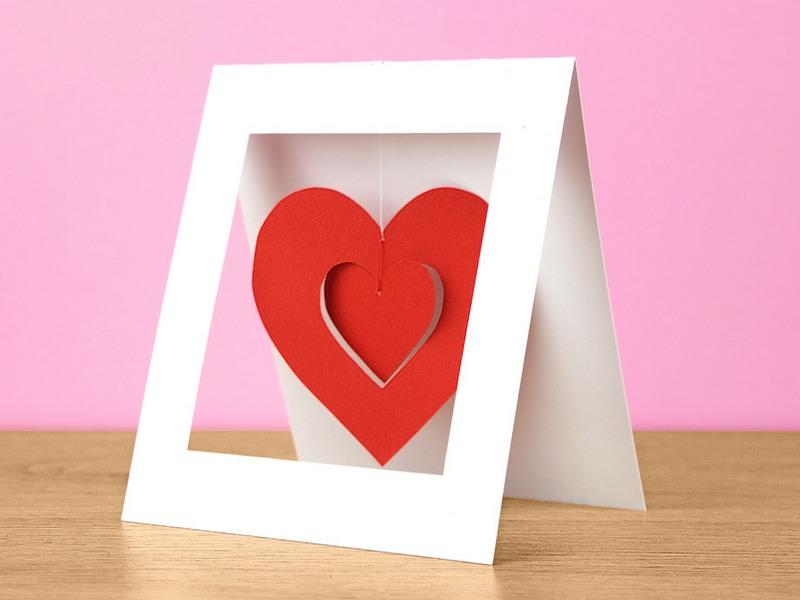 Валентинки своими руками с детьми из бумаги поэтапно: шаблоны для вырезания, объемные и в виде сердца в ладонях