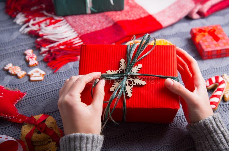 14 полезных +8 недорогих подарков коллегам на новый год (оригинальные идеи)