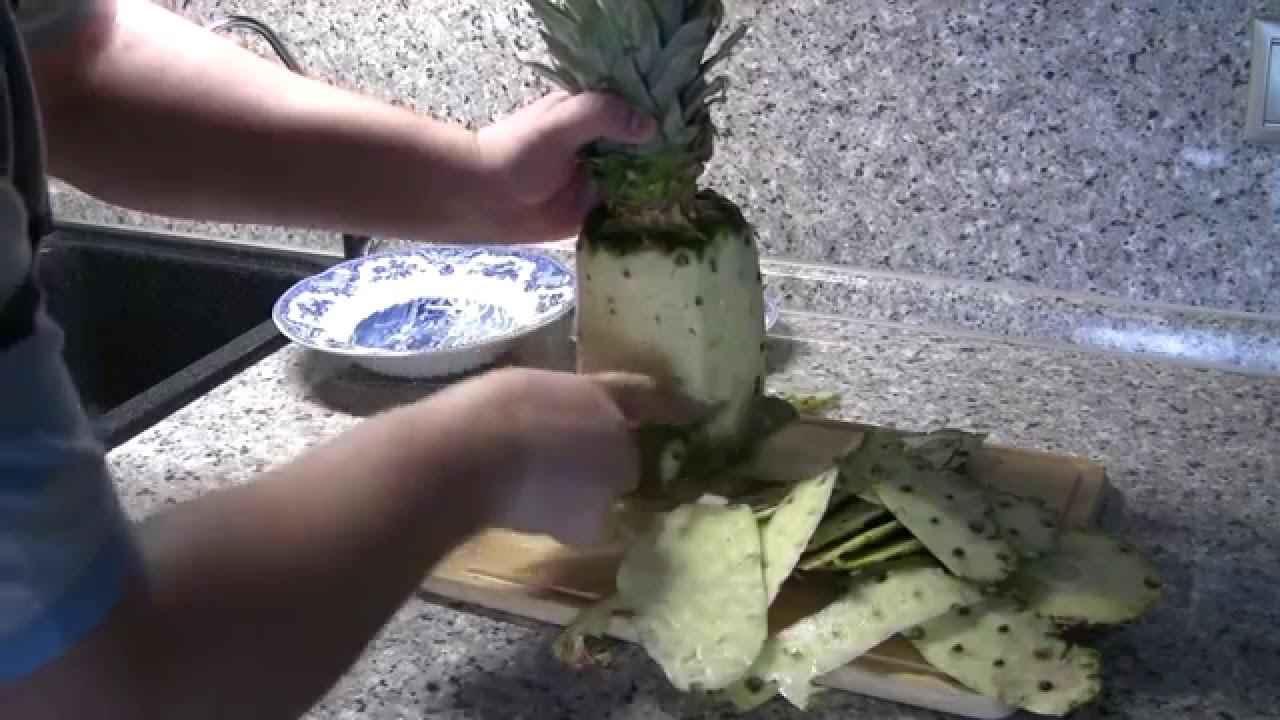 Как почистить ананас и красиво нарезать его для праздничного стола