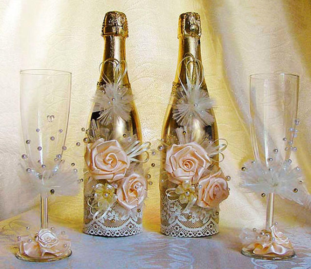 Делаем оформление стеклянных бутылок шампанского на свадьбу