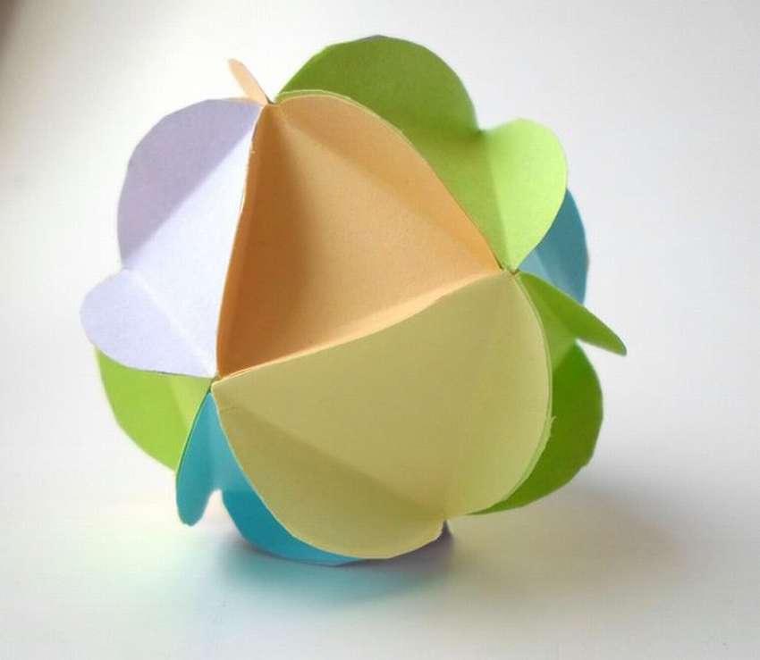 Объёмный шар из обёрточной бумаги