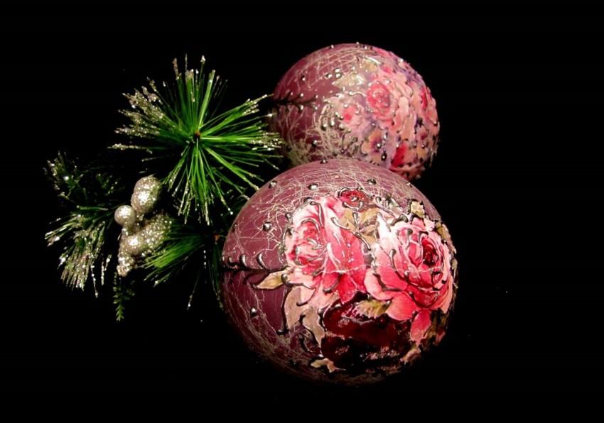 Декупаж новогодних шаров - пошаговый мастер-класс (65 фото идей)
