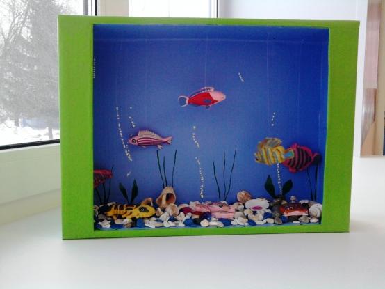 Как сделать из бумаги аквариум с рыбками