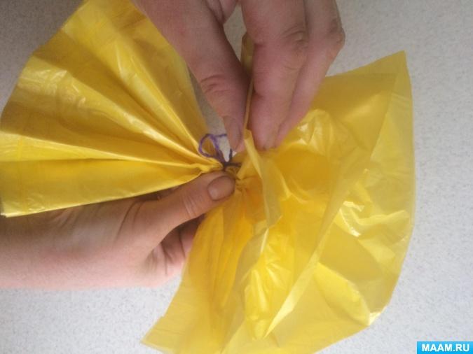 Идеи поделок из полиэтиленовых пакетов для мусора