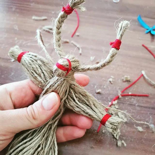 Как сделать куклу из ниток своими руками: пошаговая инструкция изготовления оберега из пряжи в домашних условиях, фото поэтапно и видео мастер класса