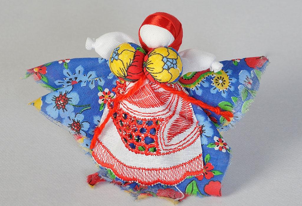 Карельские куклы-обереги своими руками: кормилка, колокольчик