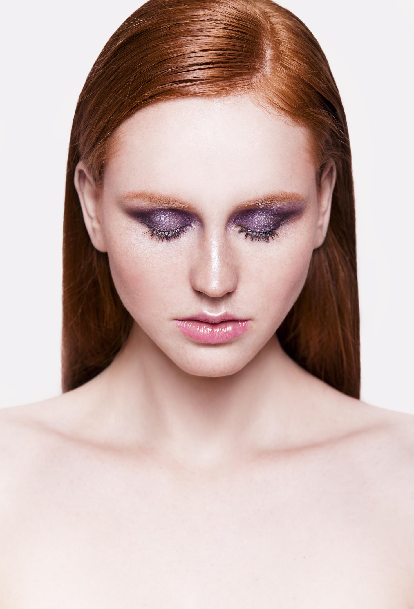 Насыщенный фиолетовый макияж (45 фото)