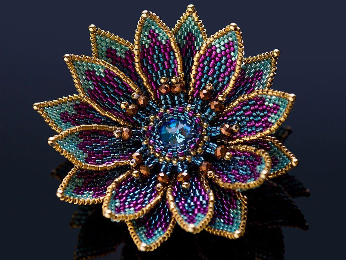 Цветы из бисера своими руками: пошаговые схемы плетения для начинающих