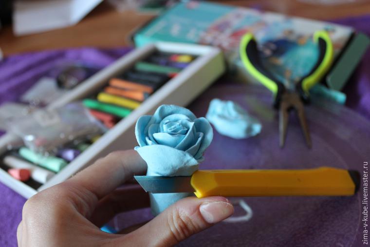 Создание ароматизированного комплекта украшений в виде роз