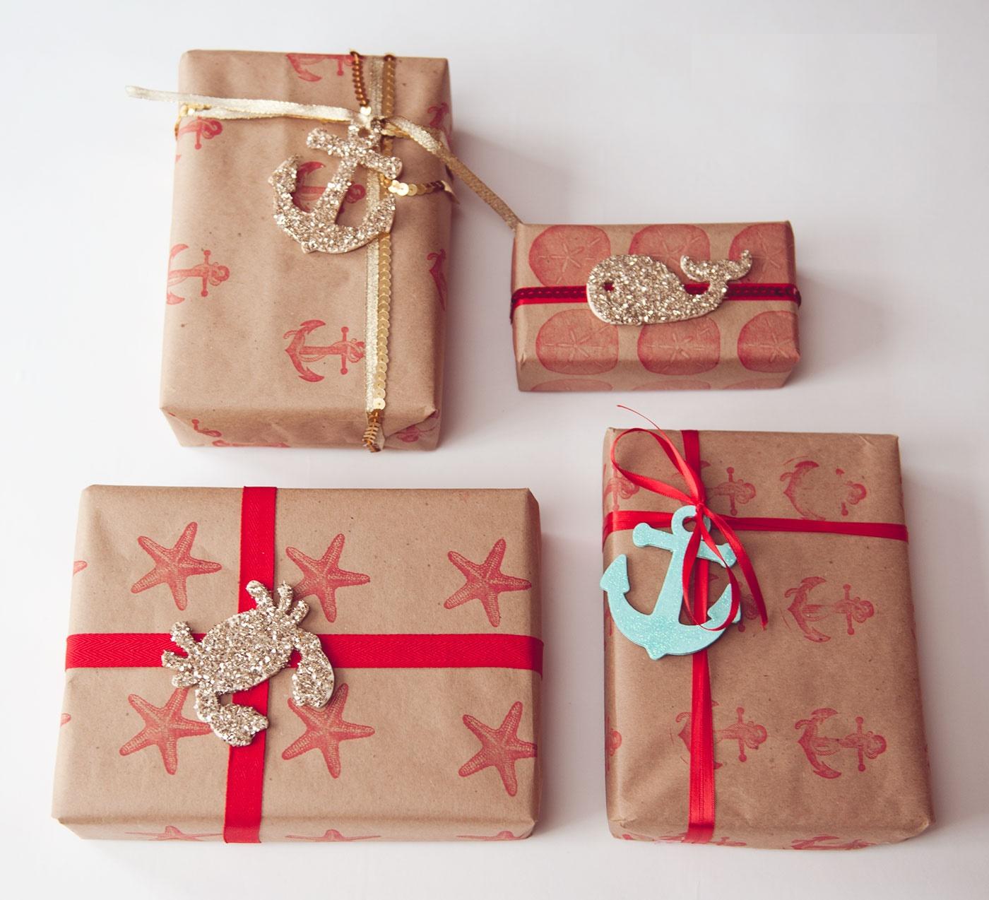 Как запаковать подарок в подарочную бумагу своими руками?