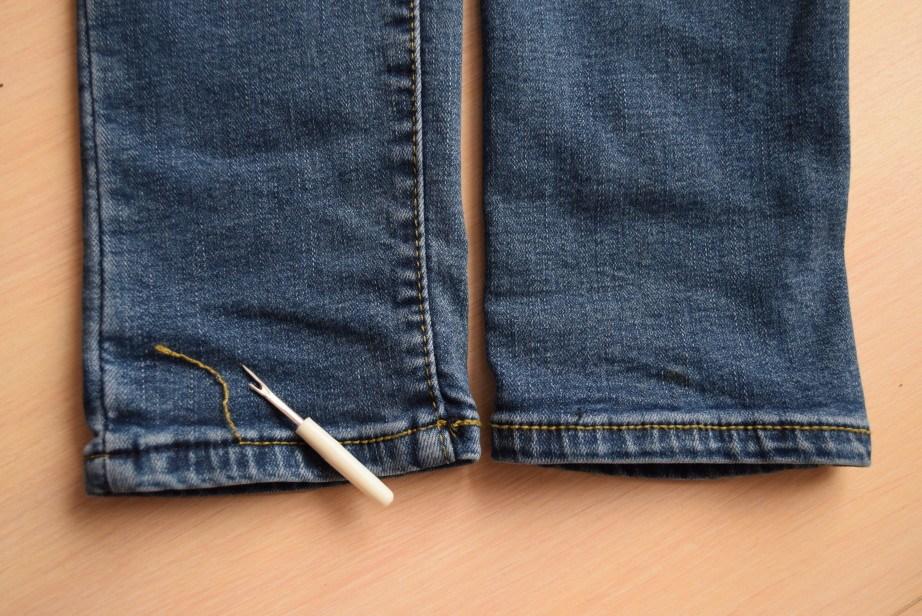 Как правильно укоротить и подшить джинсы