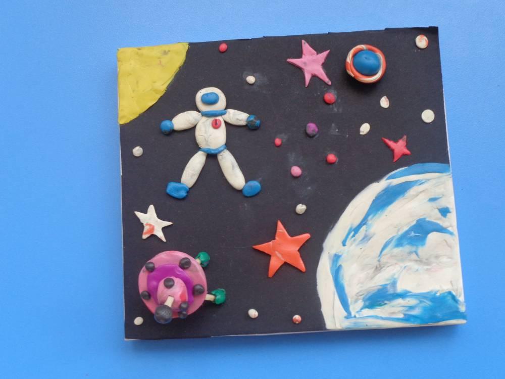 Поделки ко дню космонавтики 2020. подборка идей на 12 апреля для детского сада и школы