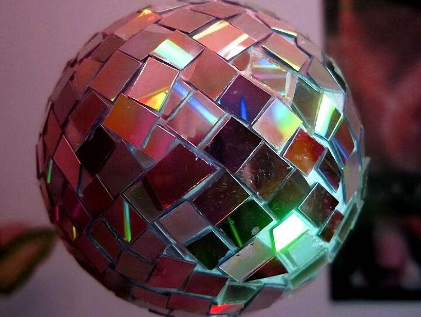Устраиваем дискотеку дома: дискошар своими руками