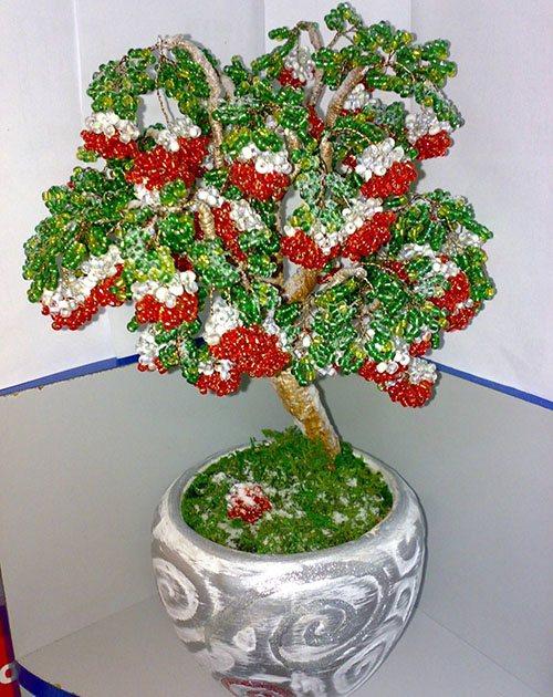 Деревья любви, верности и счастья плетем из бисера, камней и пайеток