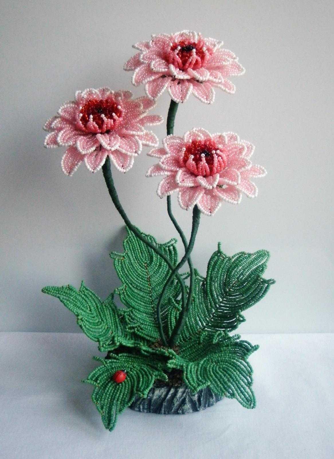 Бисероплетение цветы: бисерные букеты и композиции, мастер-класс по плетению из бисера для начинающих