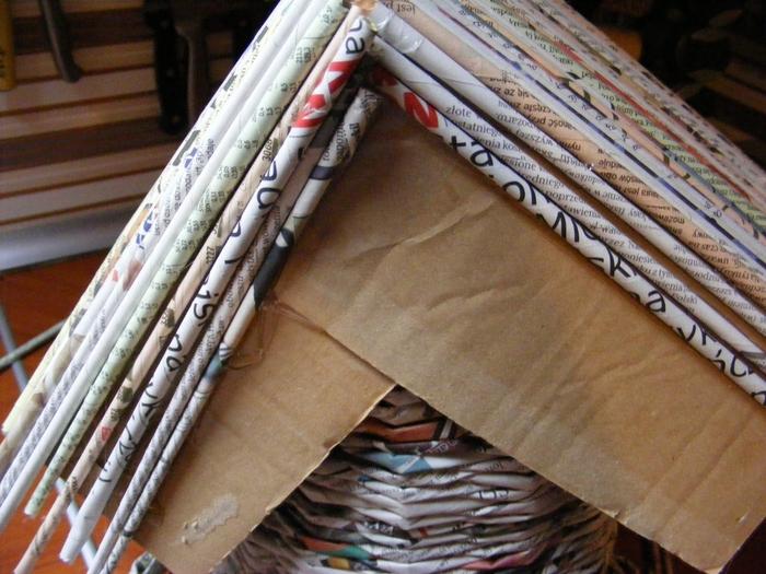 Рама из газетных трубочек под багету