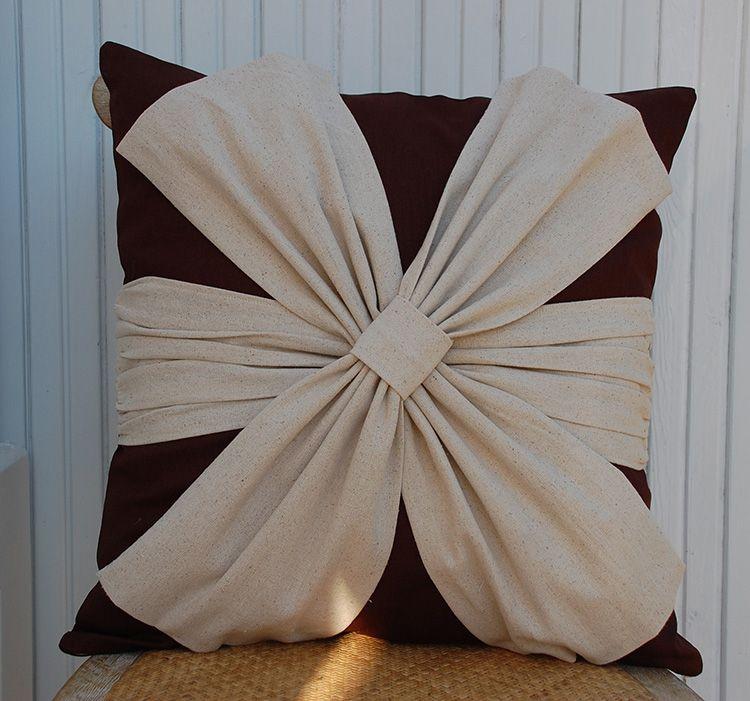 75 примеров декоративных подушек: фото, видео, особенности