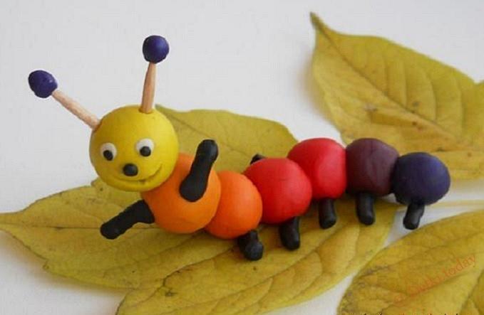 Конспект непосредственно-образовательной деятельности по лепке из пластилина «гусеница на листке»
