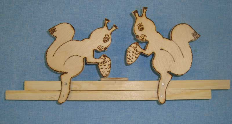 Деревянная детская игрушка «Цыплята»