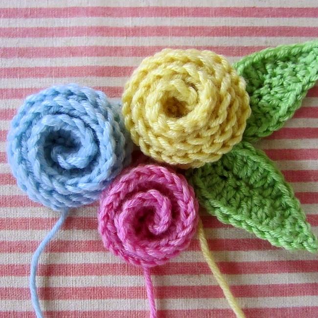 Роза крючком: 3 техники вязания