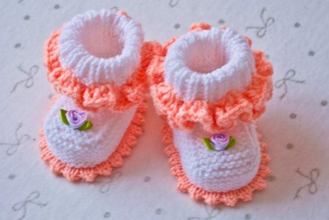 Вязание пинеток крючком для новорожденных с описанием, схемами и подробными инструкциями