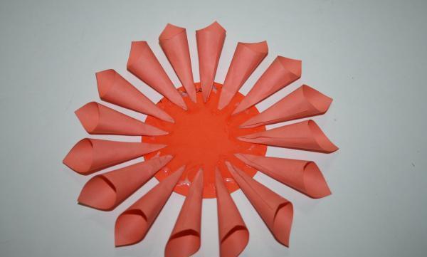 Аппликация из бумаги георгины. как сделать георгины из бумаги своими руками