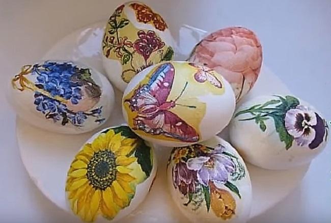 Декупаж яиц салфетками к пасхе своими руками: мастер-классы, использование техники под старину, особенности работы