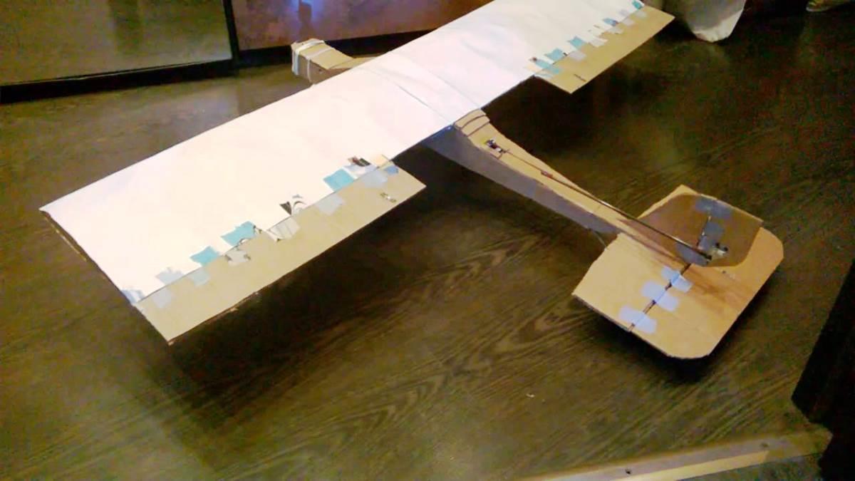 Создание самолета из потолочной плитки