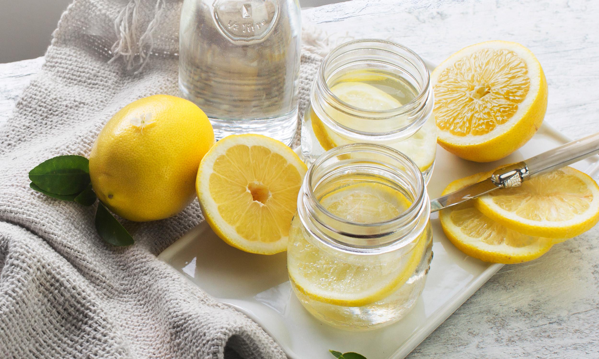 8 причин ежедневно принимать воду с лимоном и медом. почему вода с лимоном и медом полезна?
